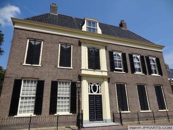 antigua casa regentes (construido en 1774) en Assen, Países Bajos