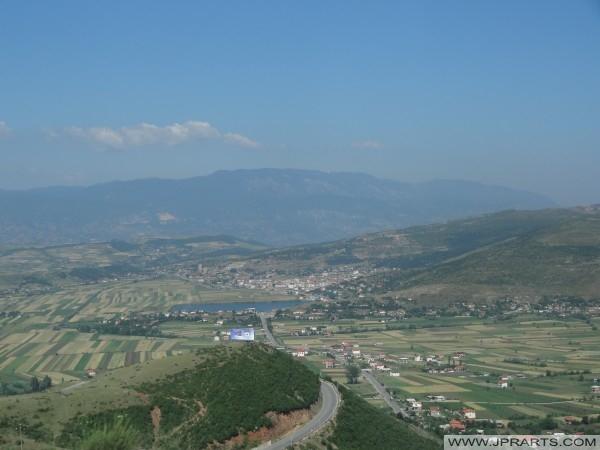 ampia vista sul paesaggio albanese