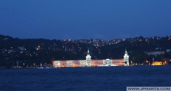 Istanbul Bosporus-Kreuzfahrt-Tour bei Nacht (Türkei)