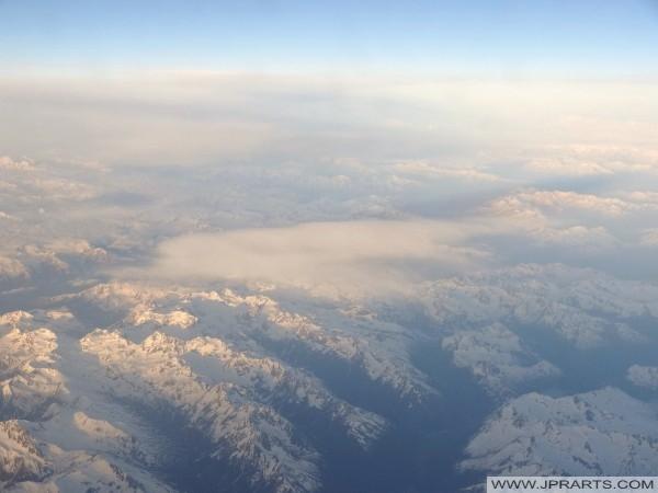 Luftaufnahme der Alpen