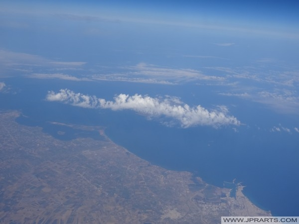 Veduta aerea della Sicilia occidentale e Mar Tirreno