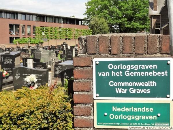 Groby wojenne w Baarle (Belgia - Holandia)