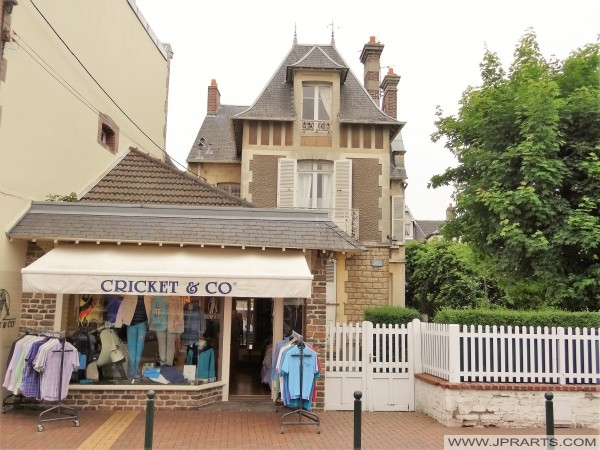Cricket & Co (Cabourg, France)