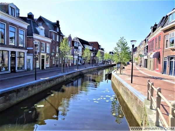 Het Vliet en Tuinen in Leeuwarden, Nederland