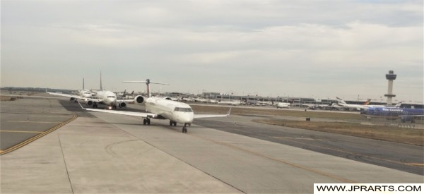 Taxiing Airplanes at JFK Airport (New York, USA)