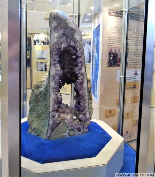 الكريستال في متحف البحرين للنفط