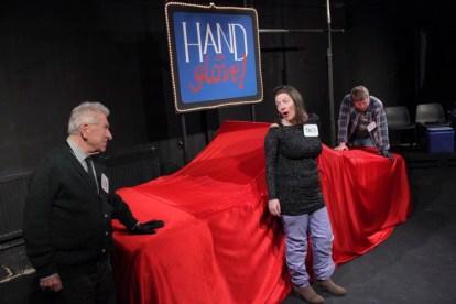 hand-in-glove-013