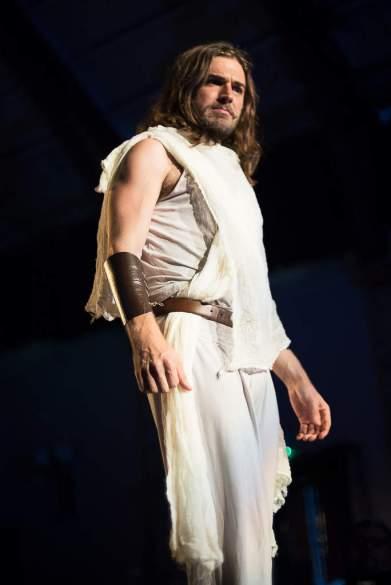 51S_8196-Edit_109_JesusChristSuperstar_RUBYLDN_SouthLondonTheatre2016