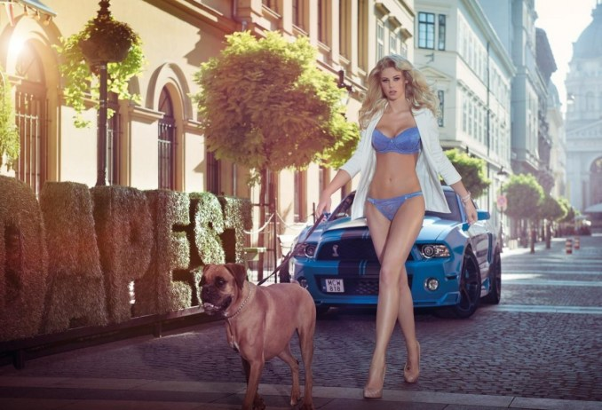 2014 Calendrier Miss Tuning Mars