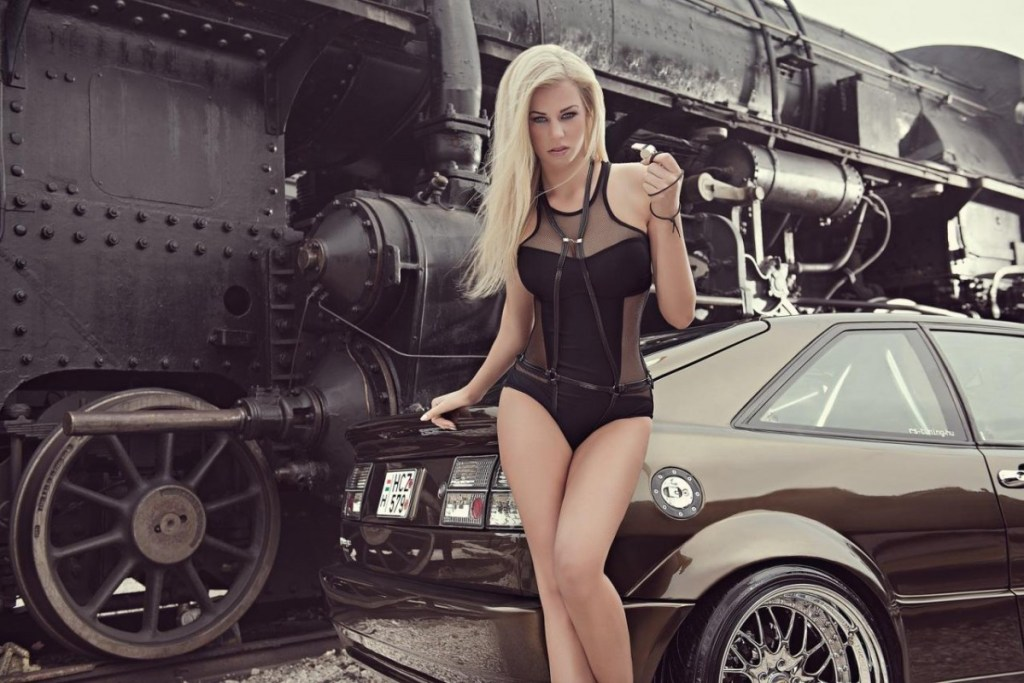 2014 Calendrier Miss Tuning Octobre