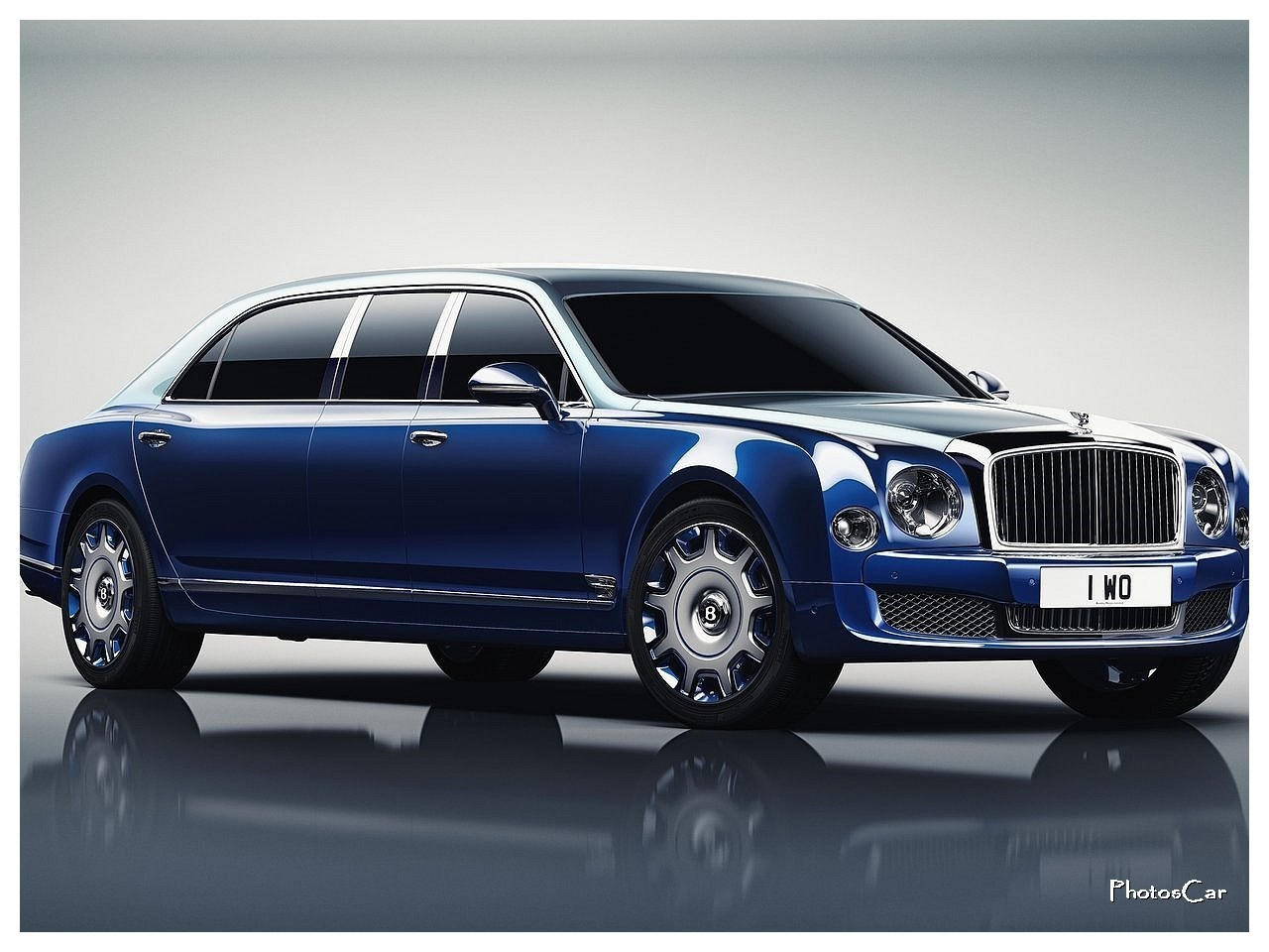 2017 Bentley Mulsanne Grand Limousine by Mulliner