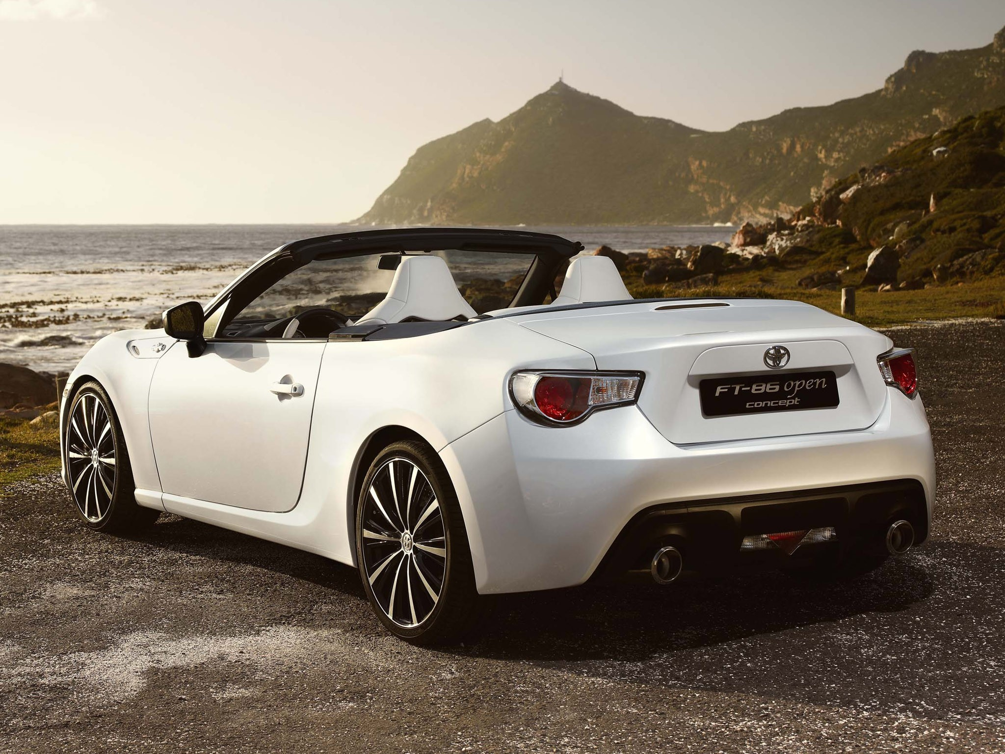 2013 Toyota FT86 Open Concept