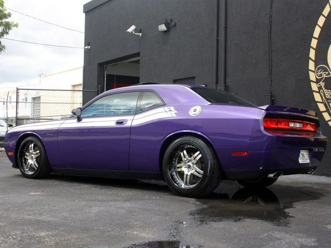 2009 MCP Racing - Dodge Challenger RT