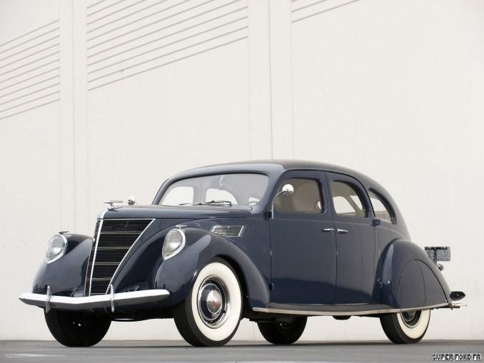 1936 Lincoln Zephyr Sedan