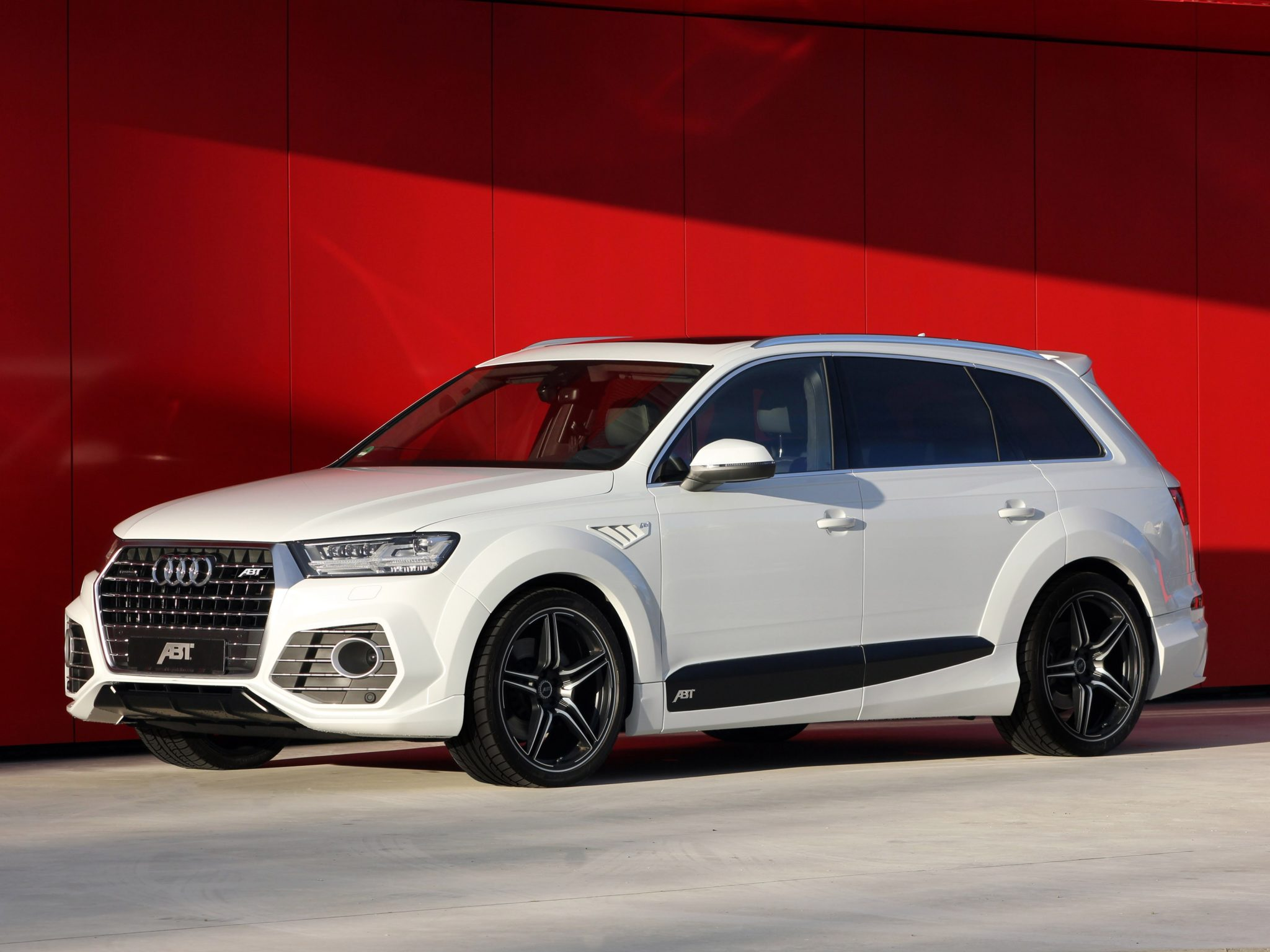 2016 ABT Audi QS7