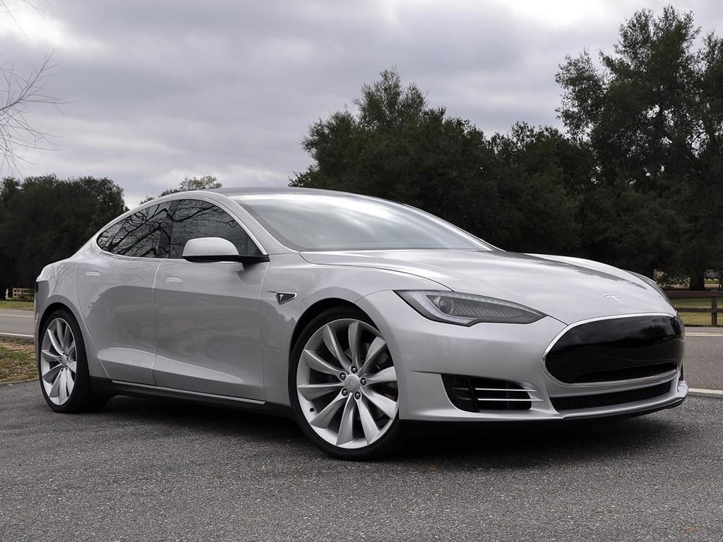 2011 Tesla Model S Alpha