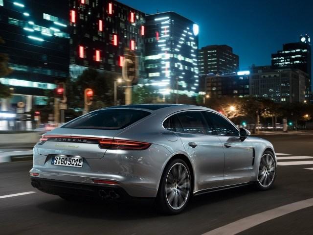 2018 Porsche Panamera_Turbo_SE Hybrid
