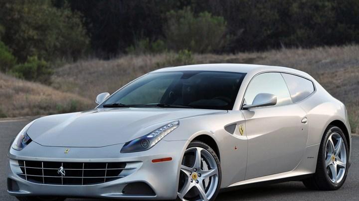 Ferrari FF développe à partir de son V12 une puissance de 660 ch.