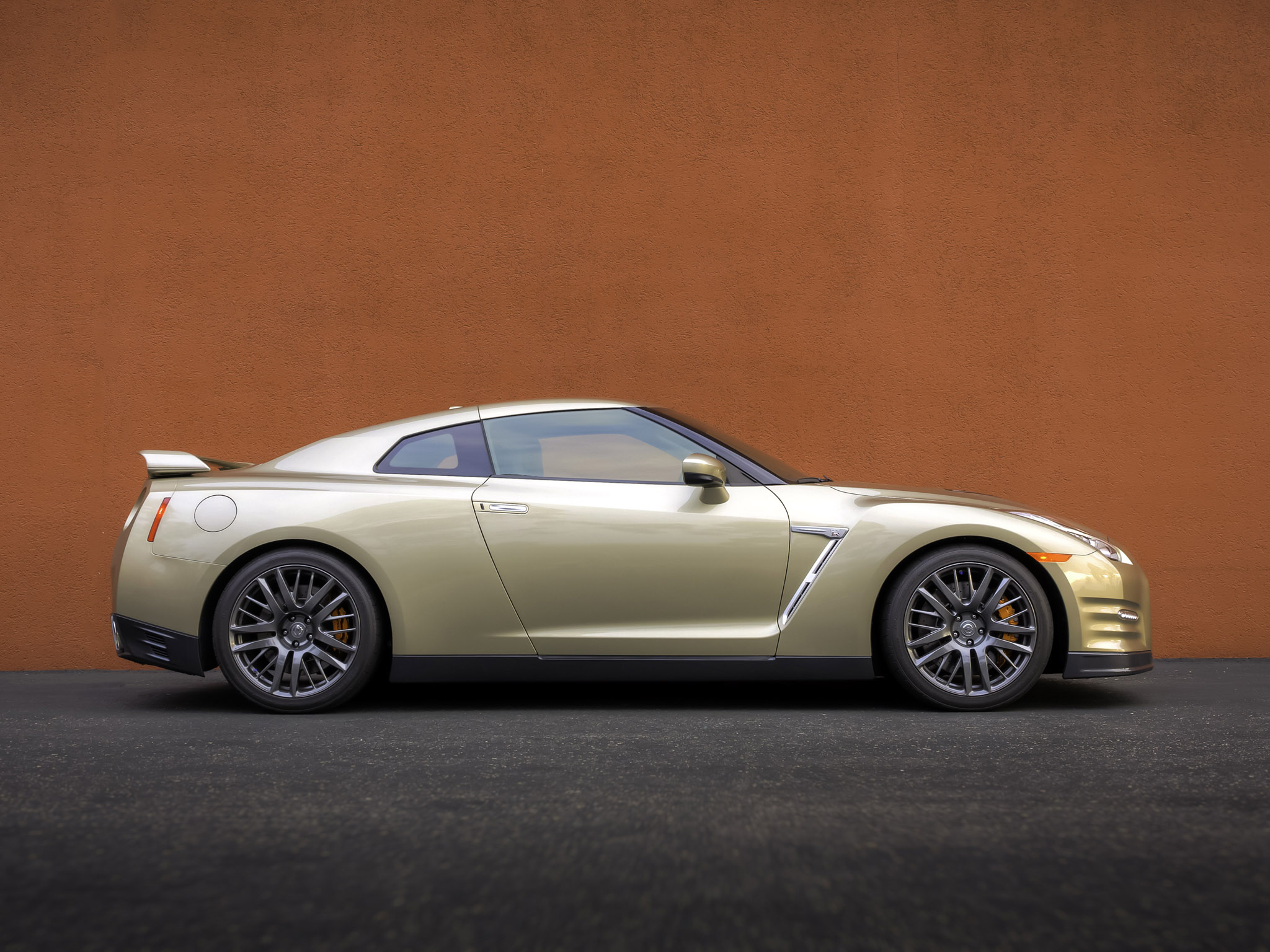 Nissan GTR 45th Anniversary Gold Edition USA 2015