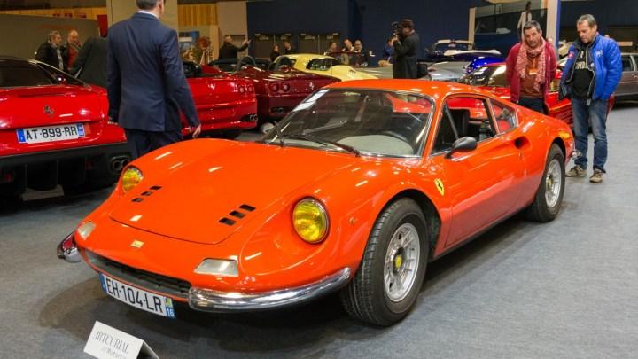 Dino est une marque de voitures de sport fabriquée par Ferrari de 68 à 76.