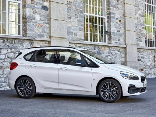 vu de coté BMW 225xe iPerformance 2019