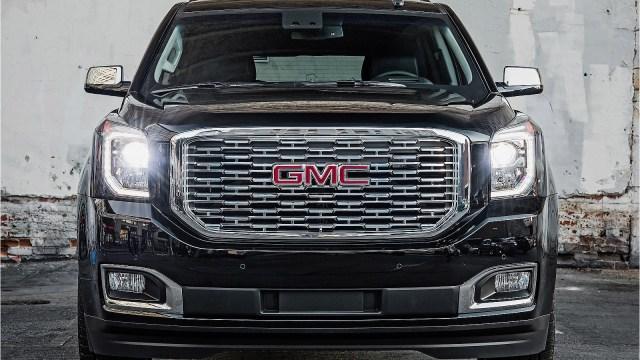 GMC Yukon Denali Ultimate Black 2018