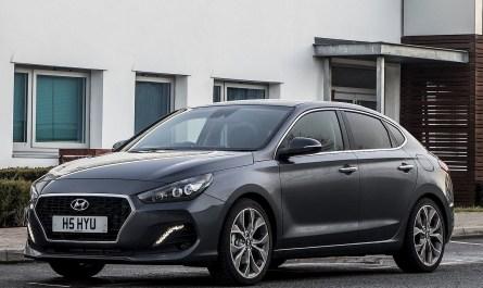 Hyundai_i30_Fastback 2018