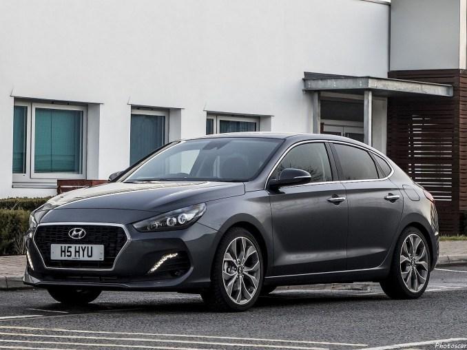 Hyundai i30 Fastback 2018 [01]