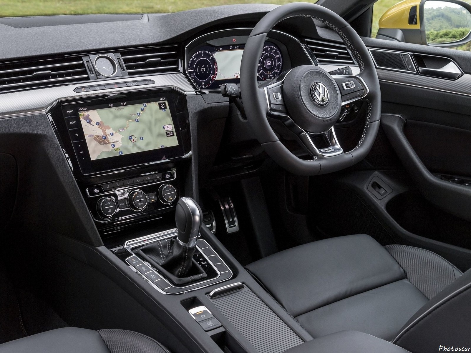 Volkswagen Arteon R-Line Version UK 2018