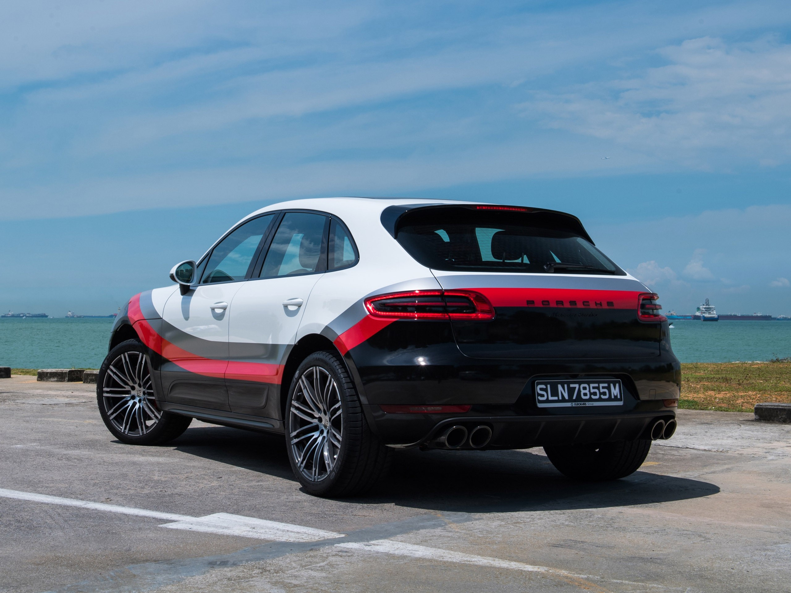 Porsche Macan Turbo Performance Package 95B 2017
