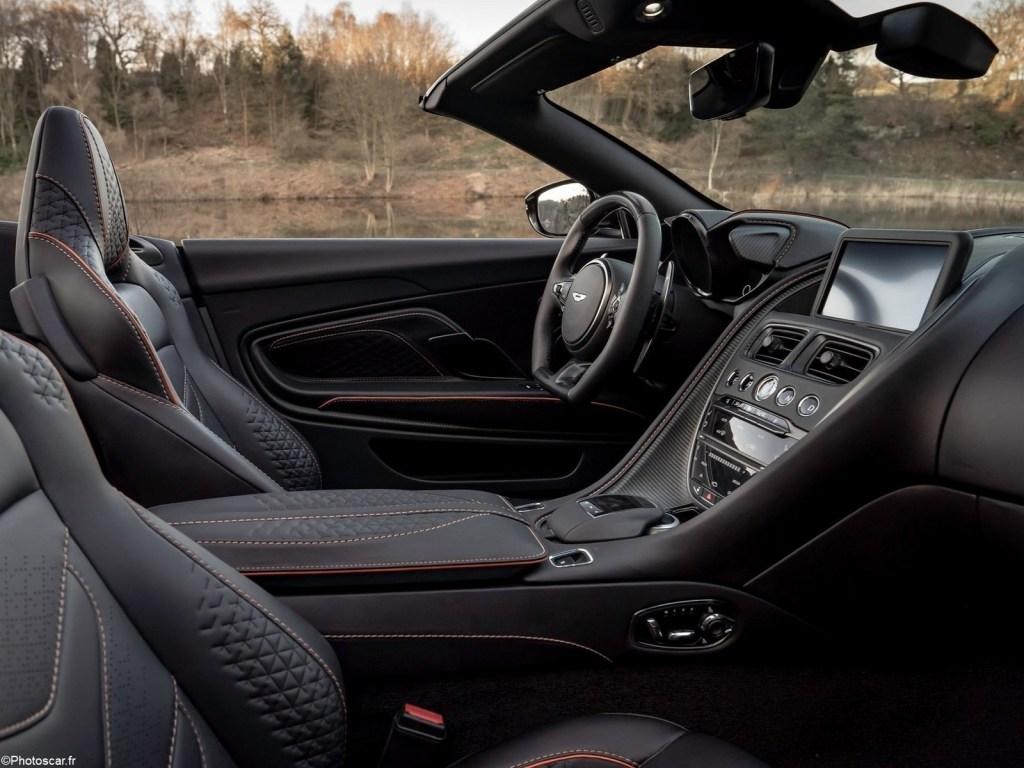 Aston Martin DBS Superleggera Volante 2020