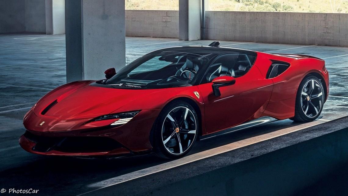 Ferrari SF90 Stradale 2020 – Une hybride rechargeable de 986 ch.