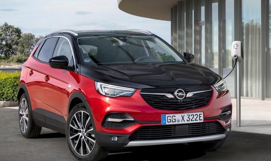 Opel Grandland X Hybrid4 2019 – 300 chevaux et 4 roues motrices.