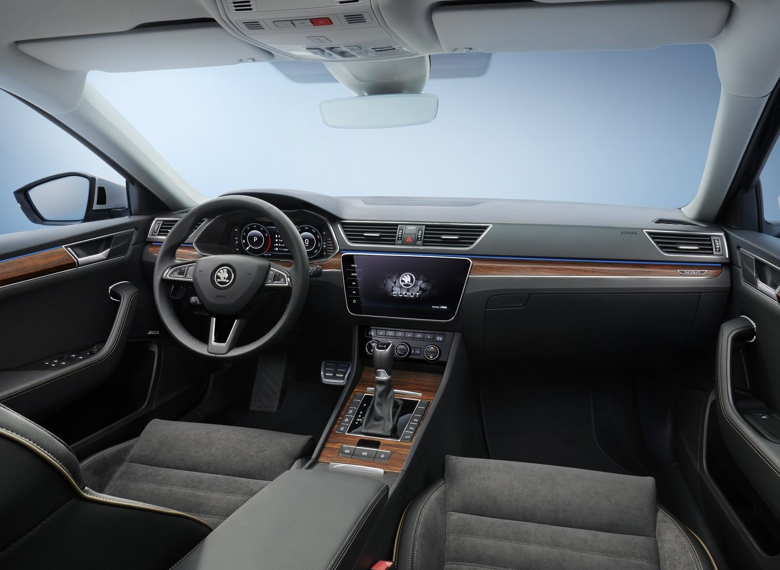 Skoda Superb Scout 2020
