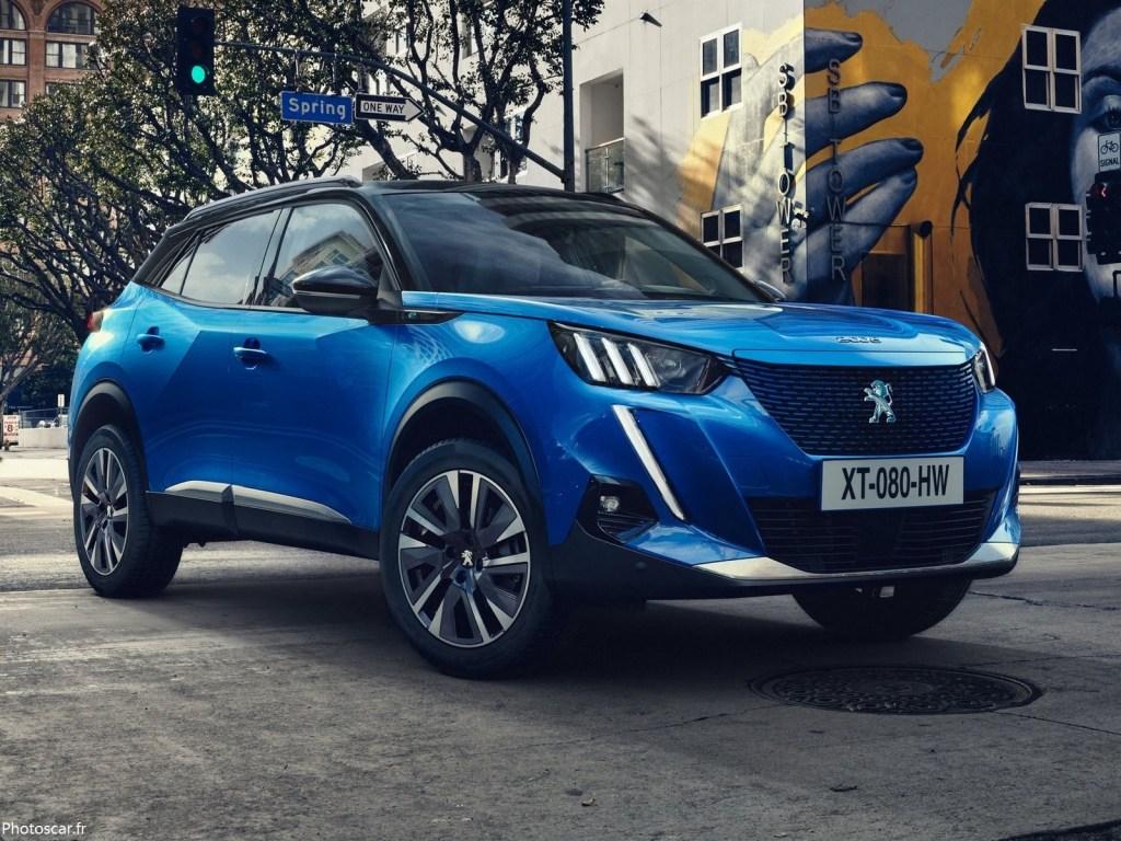 Peugeot e-2008 2020 nouveau SUV urbain en version 100 % électrique.