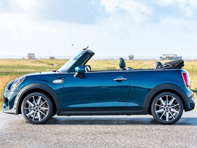 Mini Convertible Sidewalk 2020