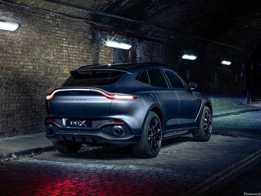 Aston Martin DBX by Q 2021