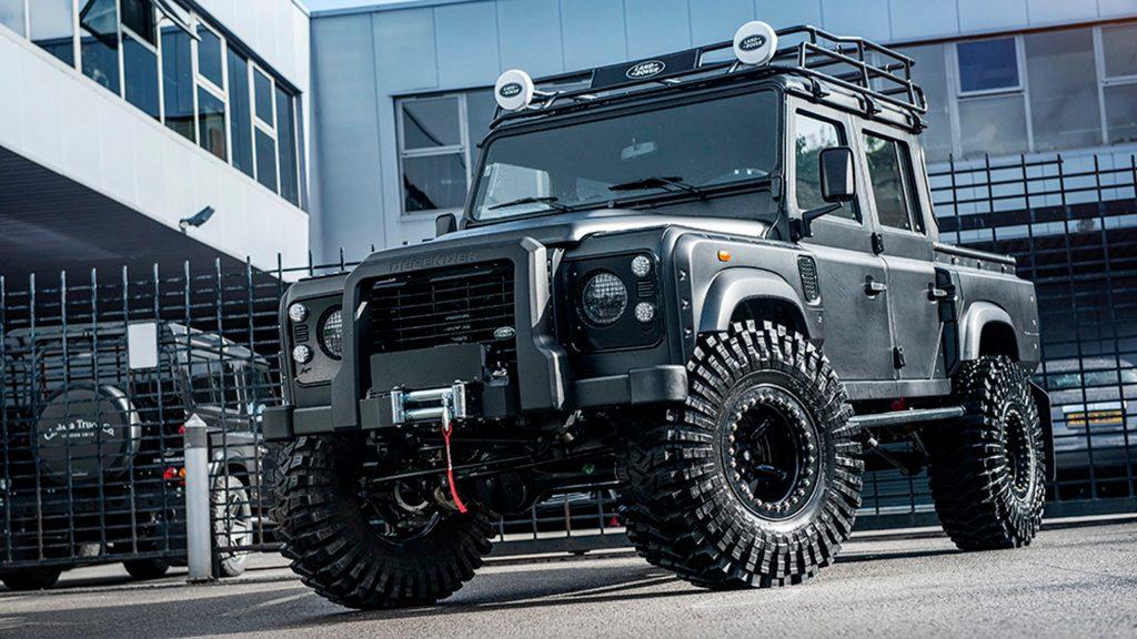 Kahn Design - Land Rover Defender Big Foot 2018