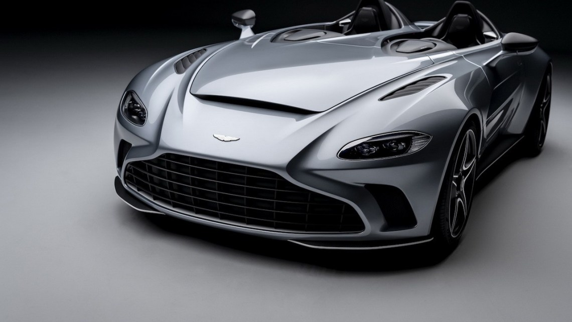 Aston Martin V12 Speedster 2021 – Carrosserie unique en fibre de carbone
