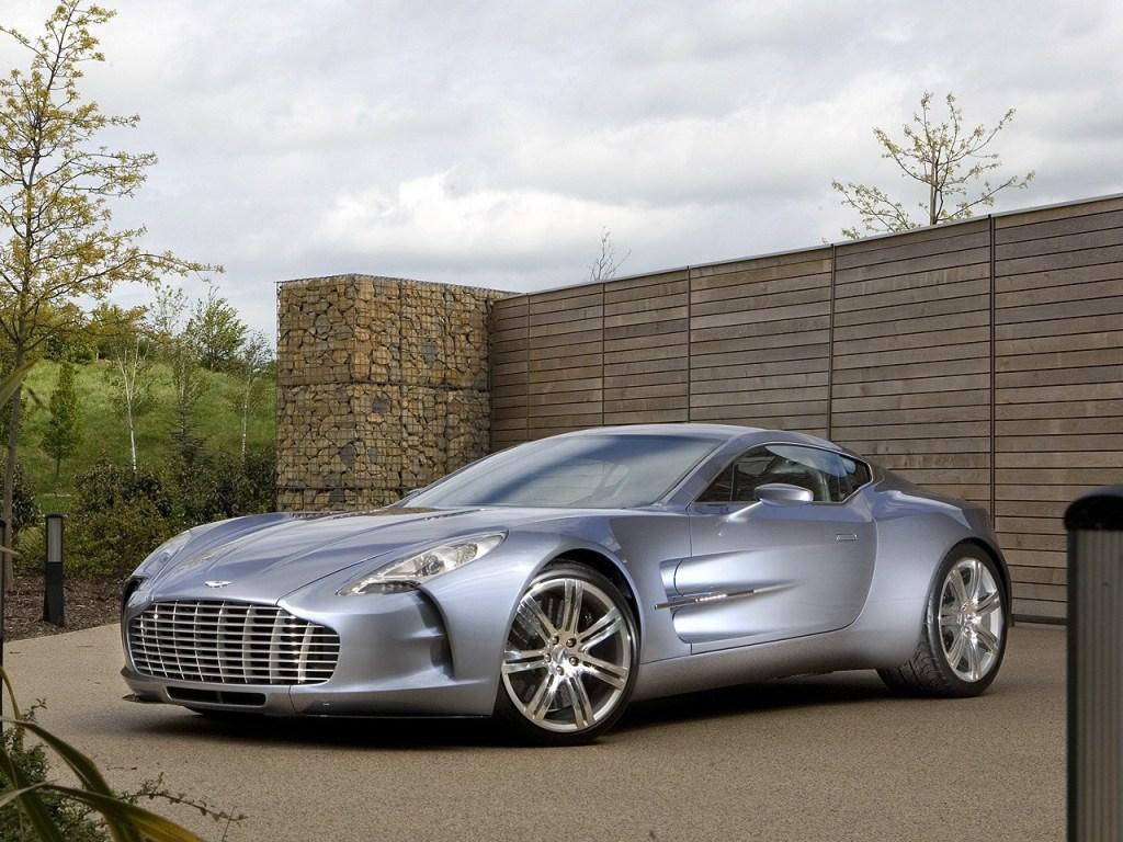 Aston Martin One-77 – Elle vrombit avec un moteur essence V12 de 7,3 litres