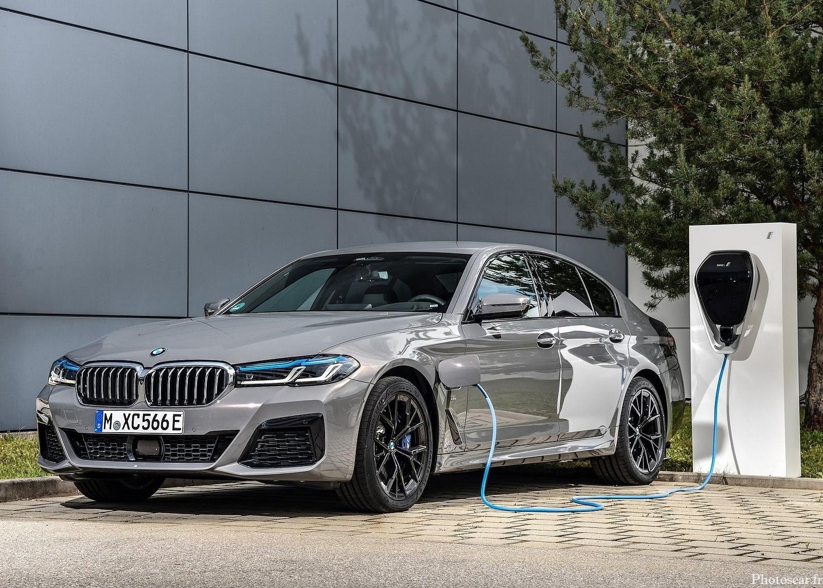 BMW 545e xDrive Sedan 2021