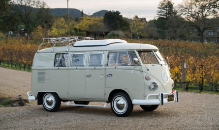 Volkswagen Type 2 Westfalia camper 1967
