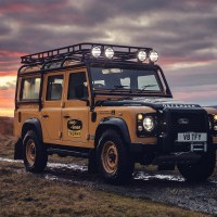 Land Rover Defender Works V8 Trophy 2021
