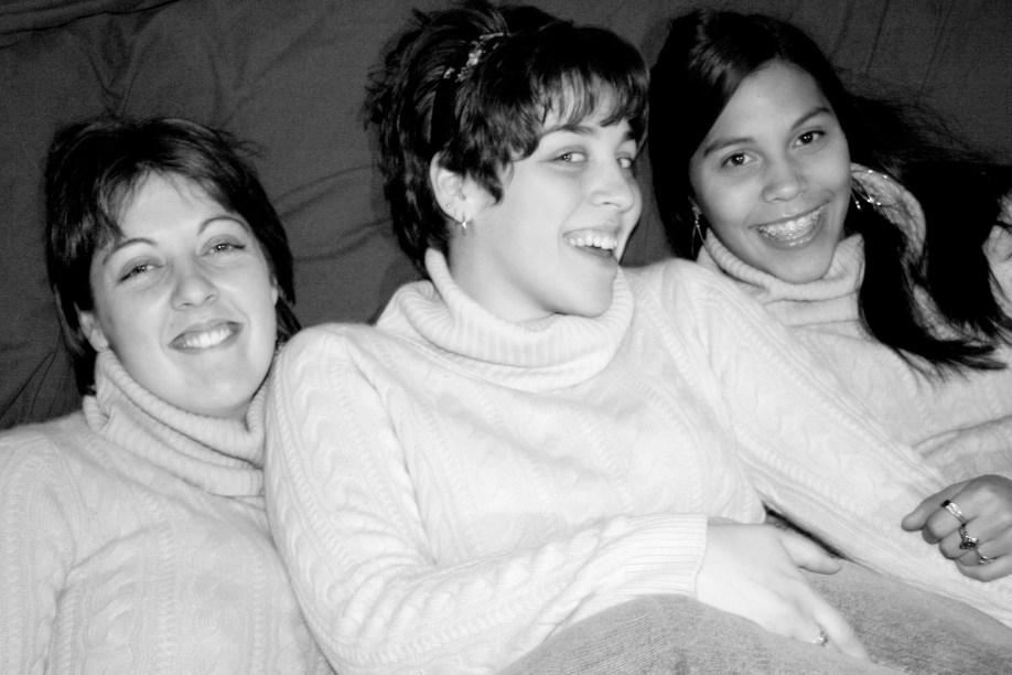 Sisters_Having_Fun_26498