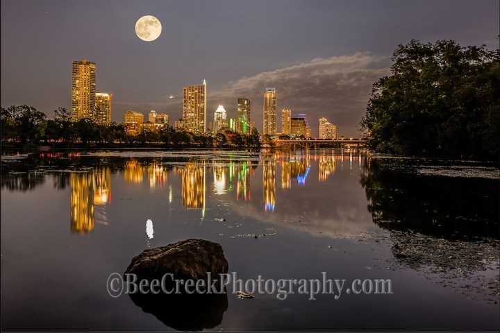 Halloween moon rise at Lou Neff Point, Austin Texas. (Bee Creek Photography - Tod Grubbs & Cynthia Hestand)