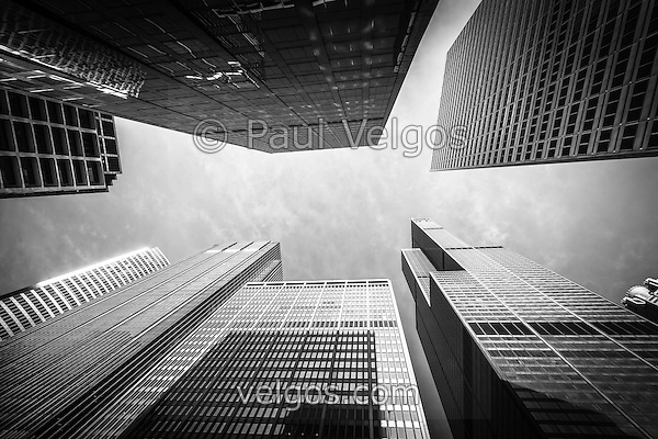 Chicago buildings upward view with Willis Tower (Sears Tower) in Black and White (Paul Velgos)