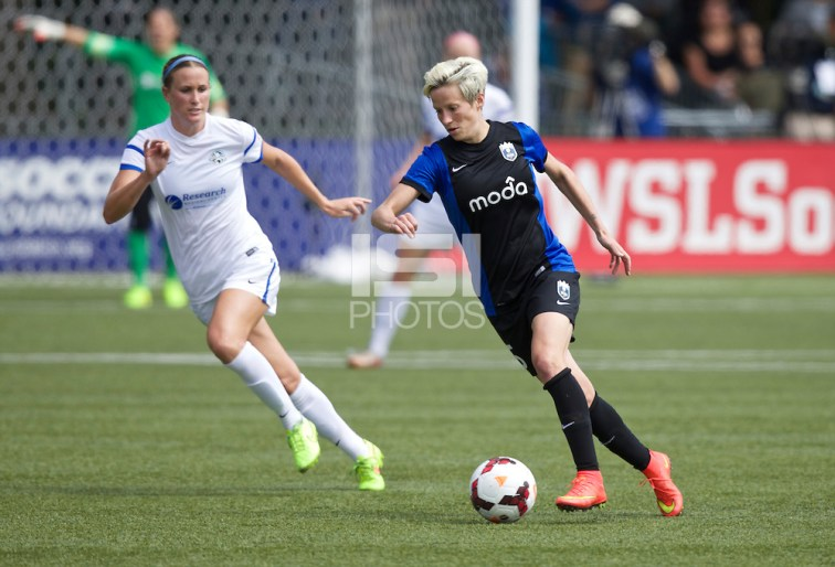 Tukwila, WA - Sunday, August 31, 2014: FC Kansas City defeated Seattle Reign FC 2-1 to win the 2014 NWSL Championship at Starfire Sports Stadium. (Stephen Brashear/isiphotos.com)