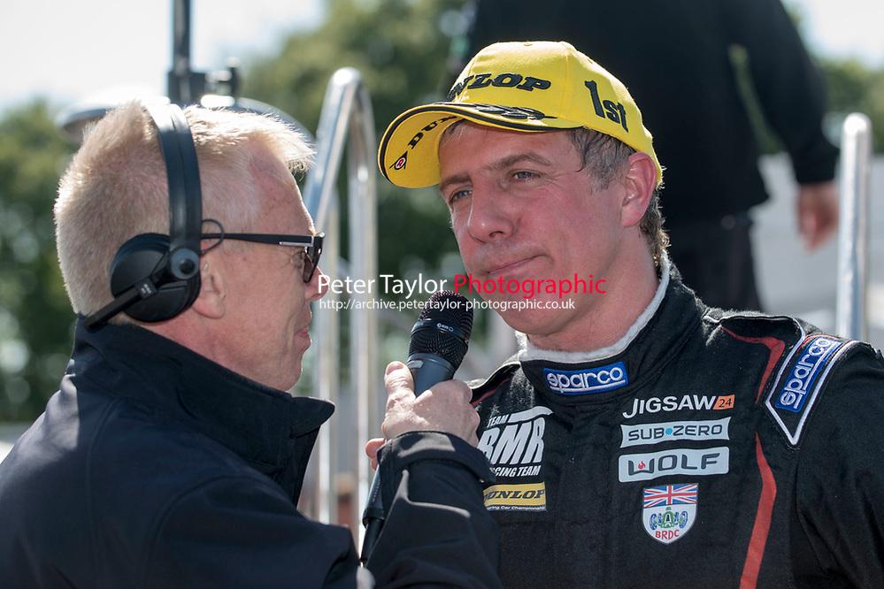 #99 Jason Plato Volkswagen CC Team BMR talking to Alan Hyde