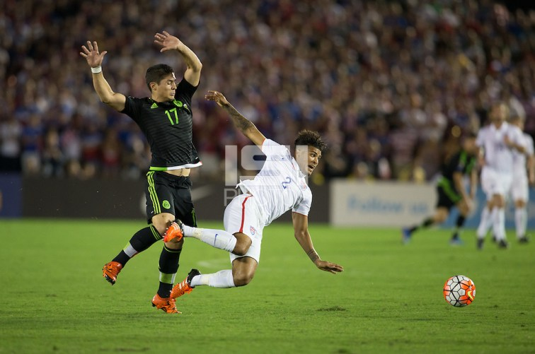 Pasadena, CA. - Saturday, October 10, 2015: Mexico defeated the USMNT 3-2 to win the 2015 CONCACAF CUP Final at the Rose Bowl. (Michael Janosz/isiphotos.com)