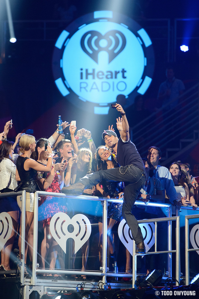 Enrique Inglesias performing at the iHeartRadio Music Festival in Las Vegas, Nevada on September 22, 2012. (Todd Owyoung)